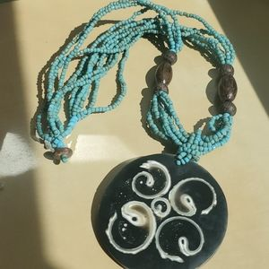 💚 2/$20💚 Beaded necklace with pendant
